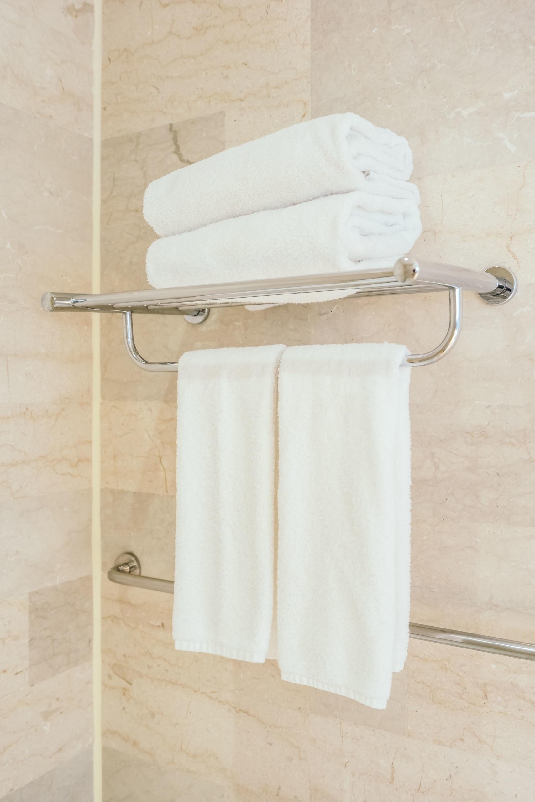 Der richtige Handtuchhalter für Ordnung im Bad – PRODUKTMENTOR
